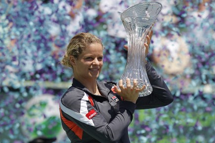 Kim Clijsters a mis la main sur un autre trophée depuis son... (Photo: Reuters)
