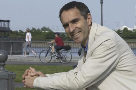Le Dr David Servan-Schreiber, qui a lui-même survécu... (Photo: Rémi Lemée, archives La Presse)
