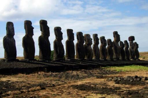 L'île de Pâques compte quantité de moai,... (Photo: Andrée Lebel, La Presse)
