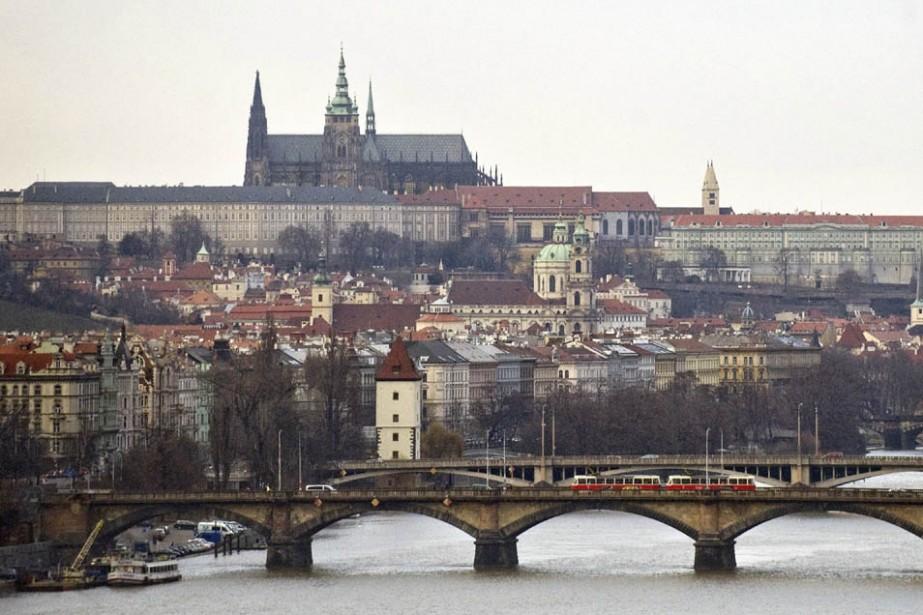 La rivière Vltava et le château de Prague.... (Photo: AFP)