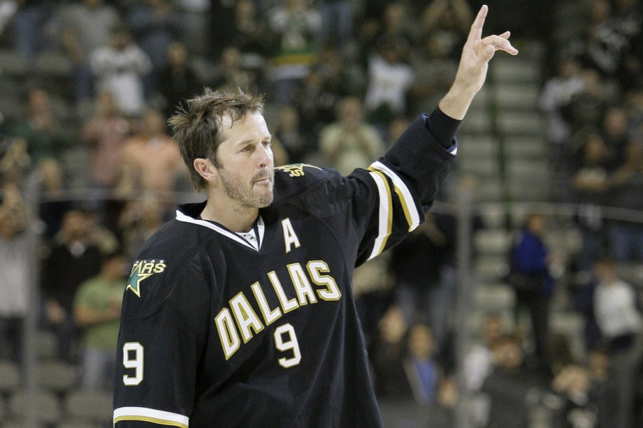 Mike Modano... (Photo: AP)