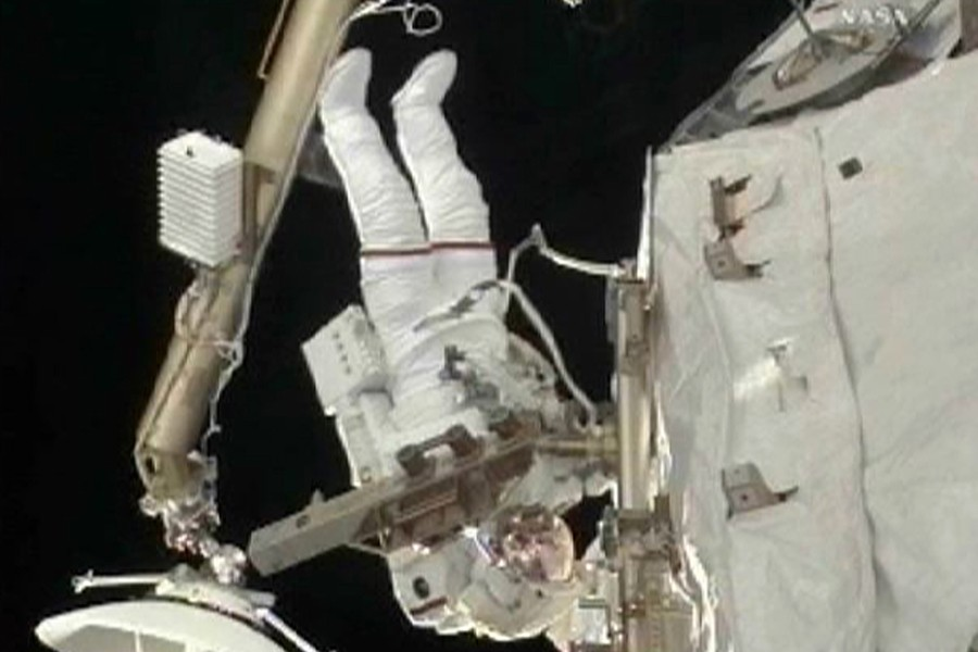 Des images transmises à la Terre montrent Rick... (Photo: Reuters/NASA TV)