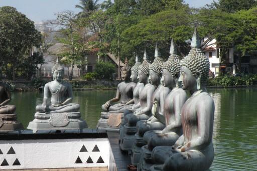 Le temple Sima Malaka, à Colombo... (Photo: André Désiront, collaboration spéciale)