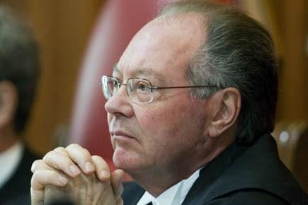 L'ex-juge de la Cour suprême du Canada, Michel... (Photo: PC)