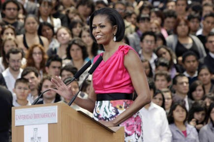 Michelle Obama s'est adressée aux étudiants de l'Université... (Photo: Reuters)