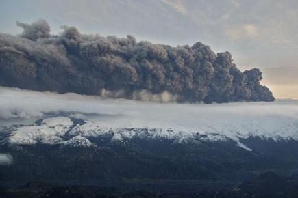Plusieurs milliers d'avions sont demeurés au sol ou... (Photo: AP)