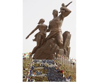 Oeuvre d'un mégalomane, désastre... Depuis l'érection du monument... (Photo AP)