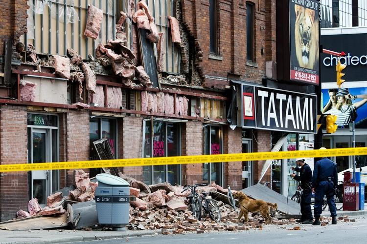 L'effondrement de la façade d'un restaurant a expédié... (Photo: PC)