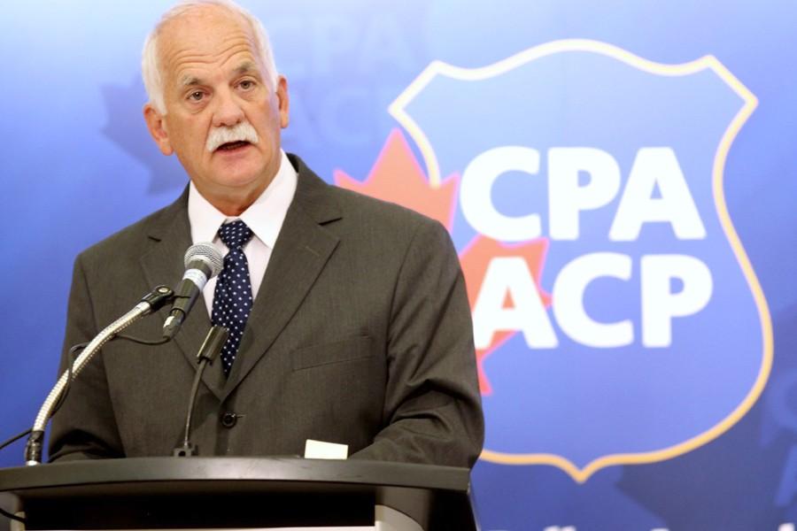 Le ministre de la Sécurité publique Vic Toews... (Photo: PC)