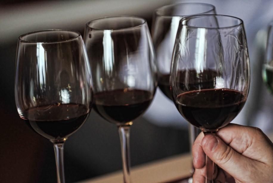 Les vins français tentent une percée sur le balbutiant marché... (Photo: AFP)