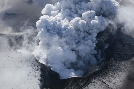L'Eyjafjöll diffuserait entre 150 000 et 300 000 tonnes de... (Photo: Reuters)