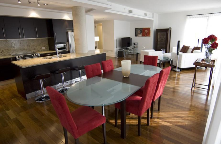 Une adresse distingu e madeleine leblanc maisons de luxe - Cuisine salon salle a manger ...