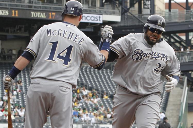 Prince Fielder (à droite) a claqué un circuit... (Photo: AP)