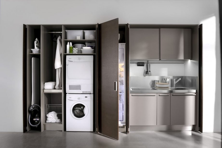 Une fois les portes ouvertes, on accède à la cuisine...  2011-03-30 ...