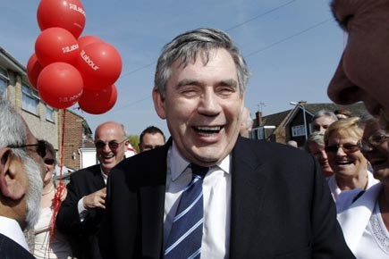Le Labour du premier ministre Gordon Brown bénéficie... (Photo: Luke MacGregor, reuters)