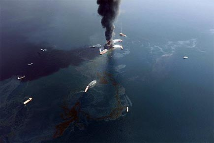 La plateforme pétrolière a explosé le 20 avril... (Photo: AP)