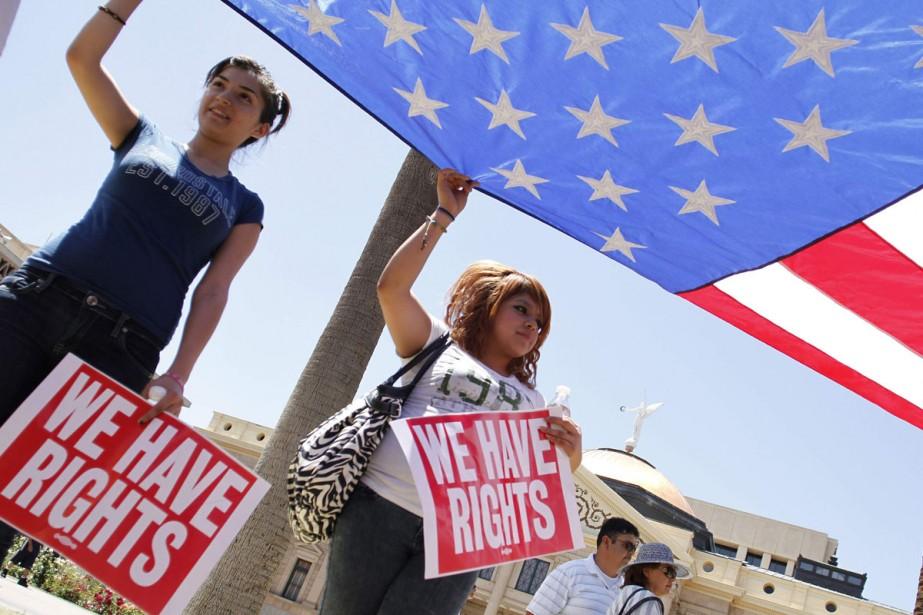 Quelques milliers de manifestants rassemblés devant le Capitole... (Photo: AP)