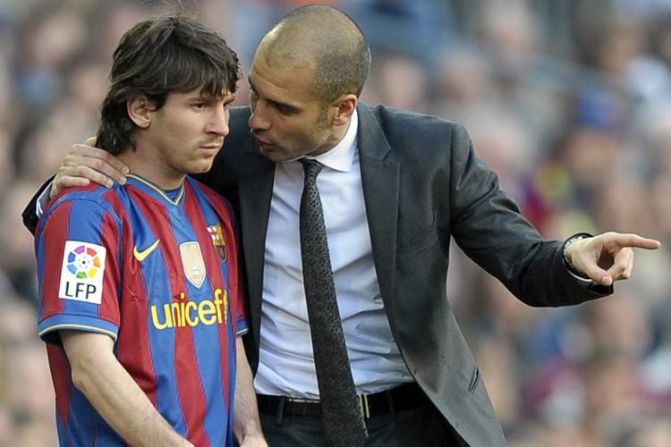 L'entraîneur du FC Barcelone, «Pep» Guardiola, donne des... (Photo: AFP)