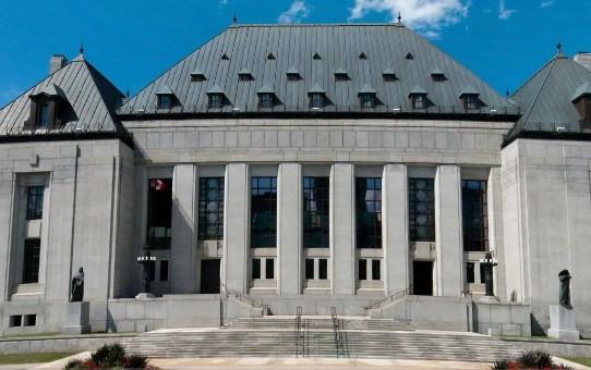L'édifice de la Cour suprême du Canada à... (Cour suprême)