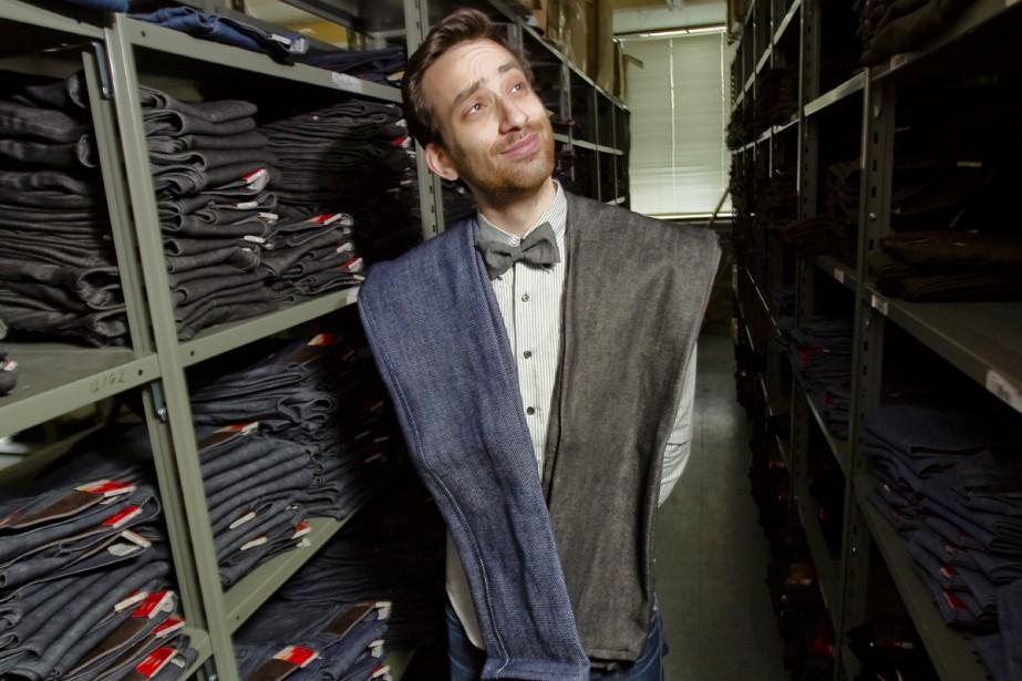 Brandon Svarc à l'atelier de jeans Naked &... (Photo: André Pichette, La Presse)