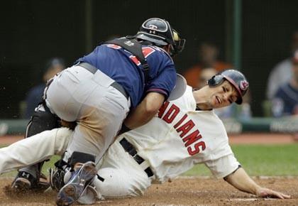 Le receveur des Twins Wilson Ramos refuse le... (Photo: Mark Duncan, AP)