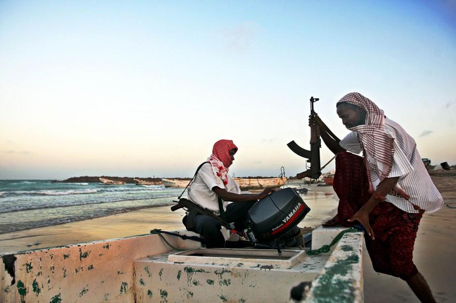 Des pirates somaliens en poste dans le golfe... (Photo: AFP)