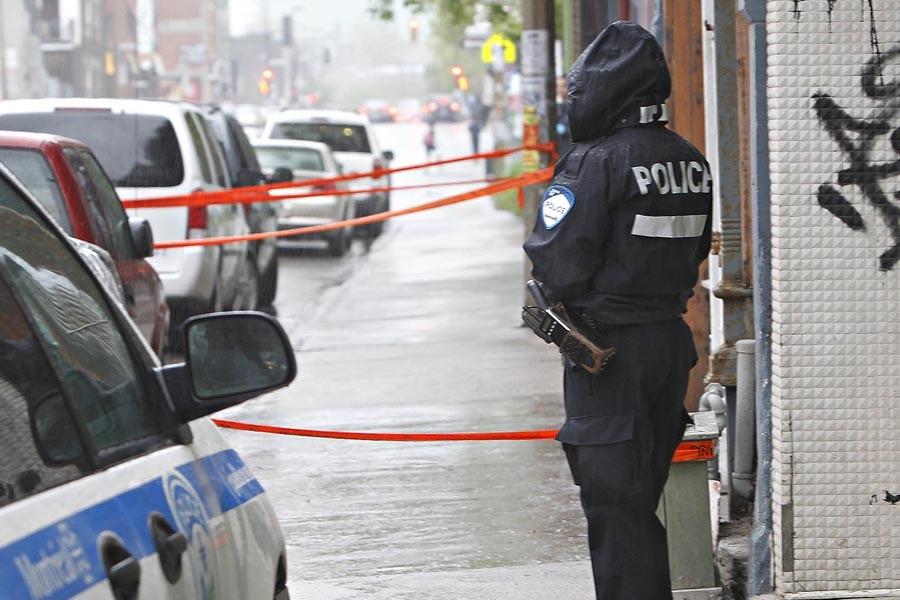 Les policiers du SPVM ont retrouvé vers 5h30... (Photo: Patrick Sanfaçon, La Presse)