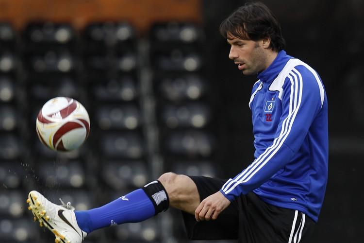 Ruud Van Nistelrooy... (Photo: Reuters)
