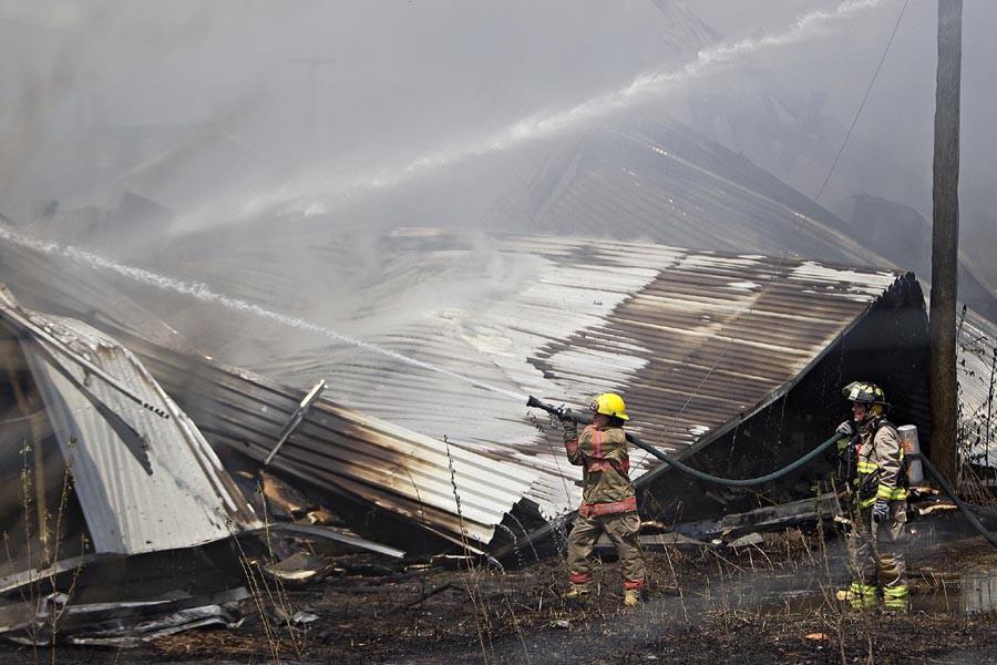 Un incendie a lourdement endommagé une entreprise de... (Photo: Patrick Sanfaçon, La Presse)