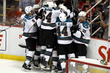 Les Sharks célèbrent le but de la victoire... (Photo: Reuters)