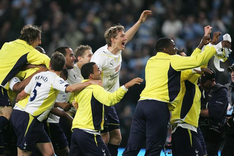 Les joueurs de Tottenham célèbrent après leur victoire... (Photo: AFP)