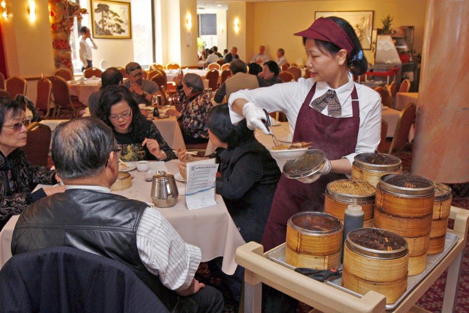Service de dumplings au restaurant Kam Fung de... (Photo: Robert Mailloux, La Presse)