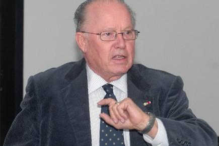 L'ancien premier ministre du Québec, Bernard Landry.... (Photothèque)