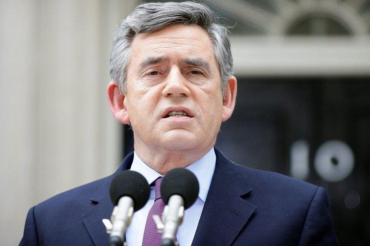 Le premier ministre britannique Gordon Brown a offert... (Photo: AP)