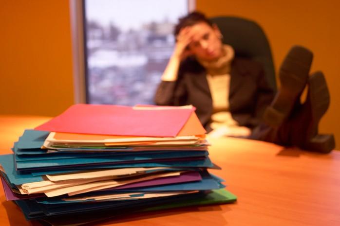Travailler trois heures de plus que la normale (7/8 heures par... (Photos.com)