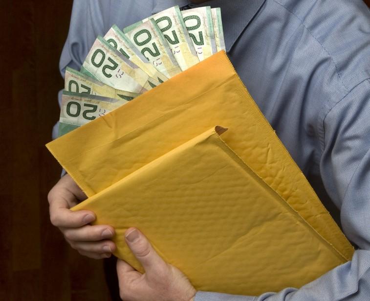 Le don moyen fait au PLQ est d'un... (PHOTO: ROBERT SKINNER, ARCHIVES LA PRESSE)