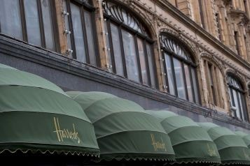 Le grand magasin londonien Harrods, qui vient d'être racheté par... (Photo: AFP)