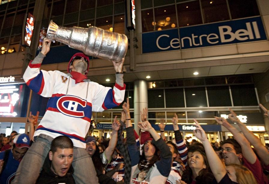 Les fans du Canadien étaient nombreux au sortir... (PHOTO: FRANÇOIS ROY, LA PRESSE)
