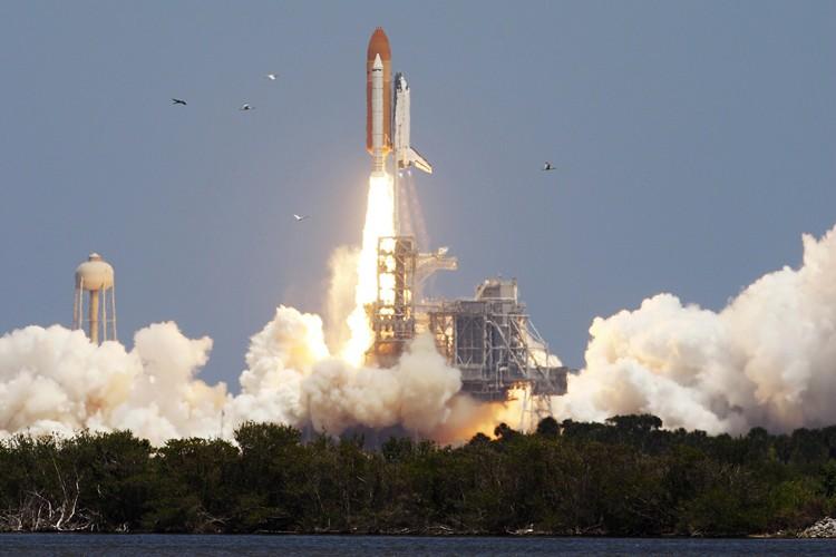 Atlantis s'est arrachée de son pas de tir... (Photo: Reuters)
