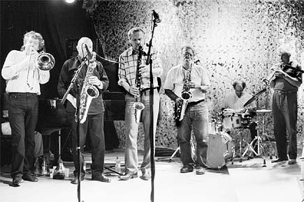 Le légendaire Globe Unity Orchestra, maître du jazz... (Photo: fournie par le Suoni Per II Popolo)