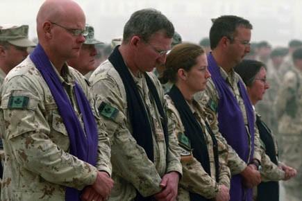 Des aumôniers de l'armée canadienne à Kandahar.... (Photo: Nikola Solic, Reuters)