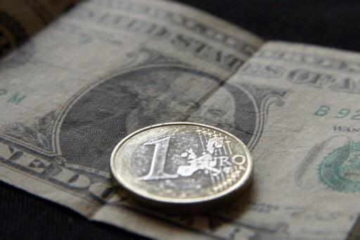 Le taux de change de l'euro est trop élevé actuellement ce qui... (Photo AFP)