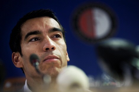 Giovanni van Bronckhorst... (Photo: AFP)