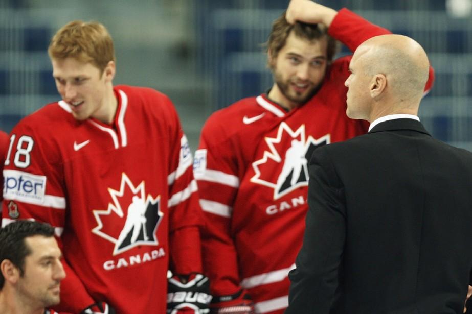 Mark Messier fait face à Francois Beauchemin, Marc... (Photo: PC)