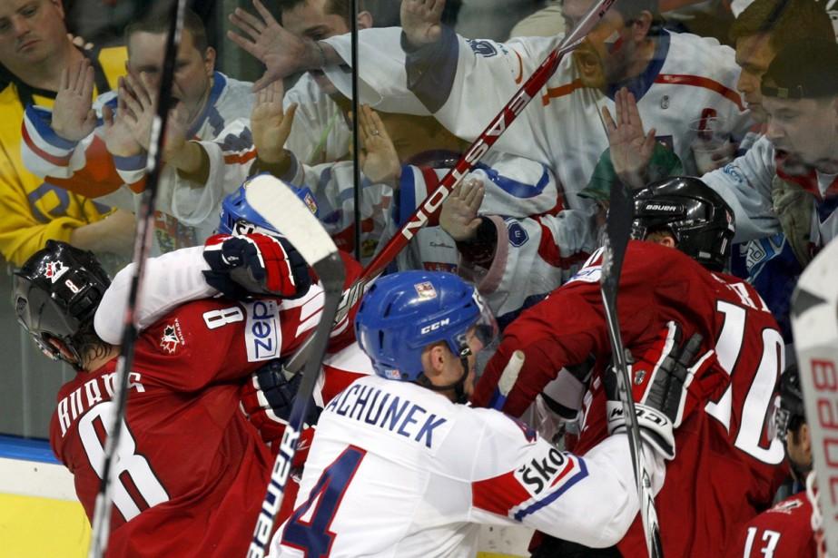 Le Canada a démontré beaucoup plus de combativité... (Photo: Reuters)