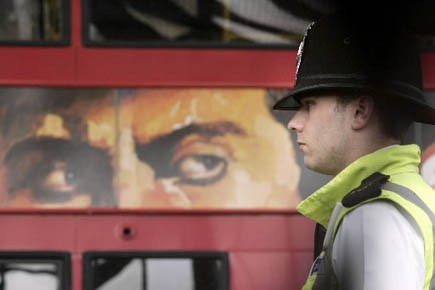 Le site est lancé conjointement par la police... (Photo: Lefteris Pitarakis, AP)