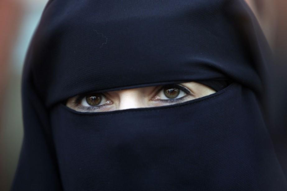 Le port de la burqa sera passible, en... (Photo: AFP)