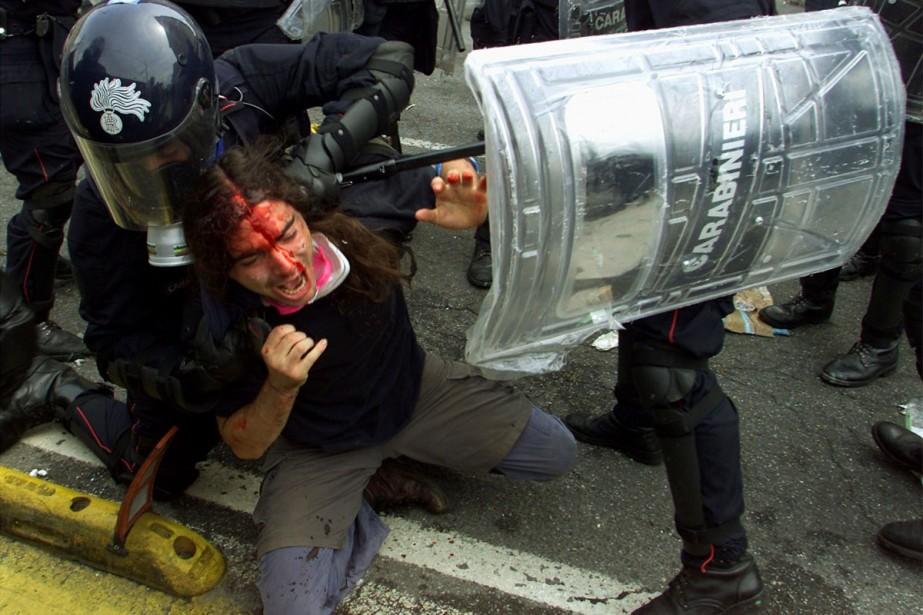 Gênes a été le théâtre de manifestations violentes... (Photo: archives Reuters)