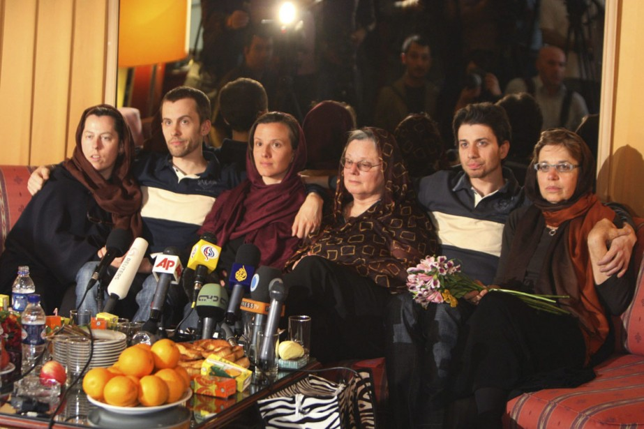 Les mères des trois randonneurs américains détenus depuis... (Photo: AP)
