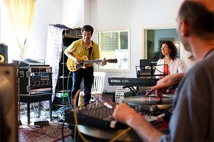 René Lussier en répétition avec les musiciens qu'il... (Photo: Martin Tremblay, La Presse)